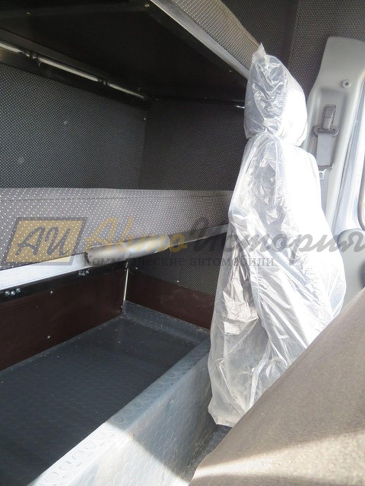 Расширяем кабину и организуем спальник (курятник)
